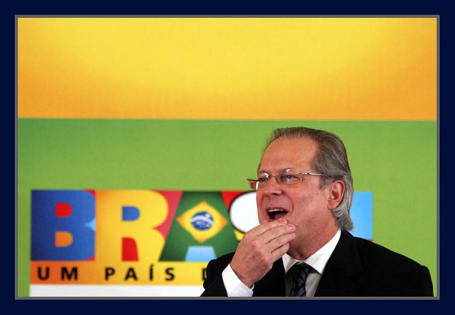 Relator vota para aumentar a pena de José Dirceu para 41 anos