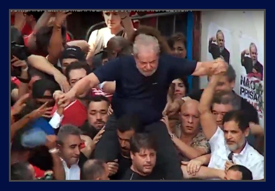Lula fica mais forte após prisão — Vox Populi