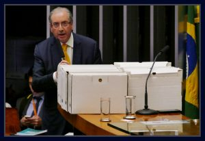 Deputado Eduardo Cunha fala na tribuna de honra da Câmara. Foto Orlando Brito